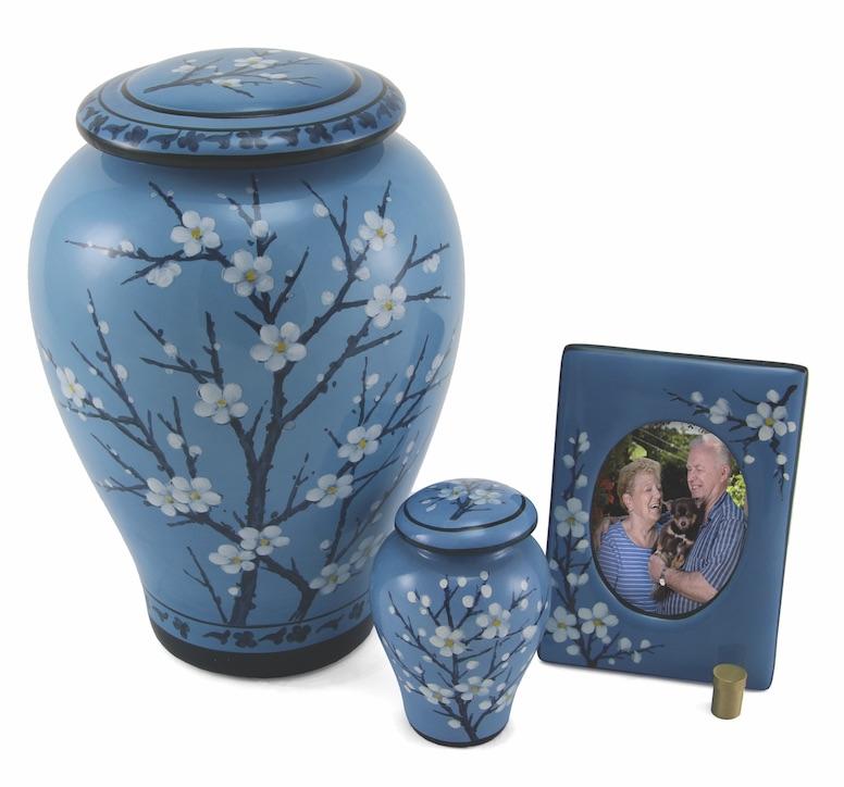 C455 Floral Ceramic Plum Blossom Esemble